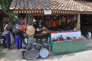 Balkondes Kurangi Populasi Asongan di Borobudur
