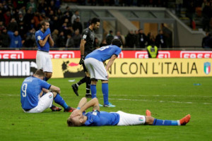 Presiden Federasi Sepak Bola Italia Mundur