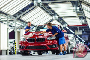 BMW Gelontorkan 200 Juta Euro untuk Pengembangan Sel Baterai