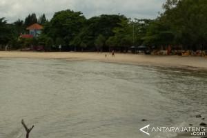 Pantai Bandengan Jepara Sepi Pengunjung