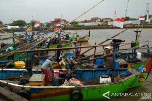 Musim Barat, Tangkapan Nelayan Jepara Turun (VIDEO)