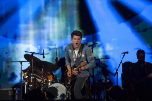 John Mayer Tunda Konser karena jalani Operasi Usus Buntu