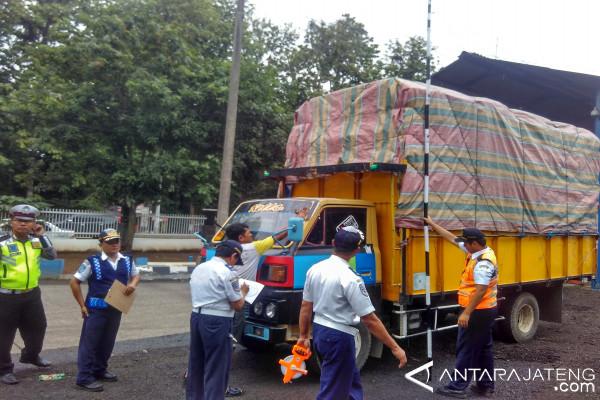 UPPKB Batang Tilang 2.532 Angkutan Barang