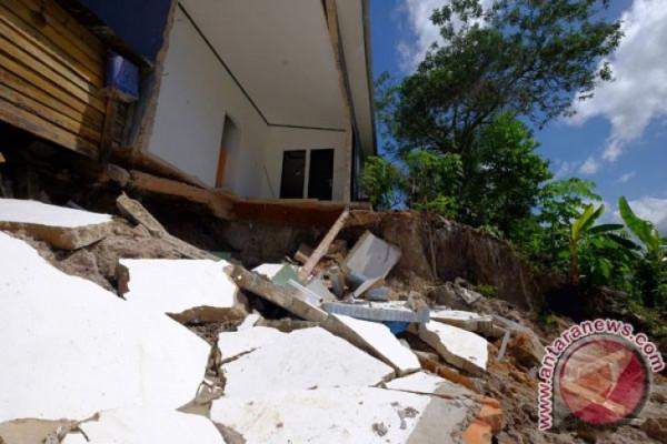 Satu Rumah Roboh di Kebumen Akibat Gempa