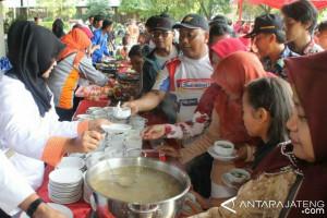 10.000 Porsi Olahan Ikan Ludes Diserbu Masyarakat