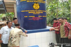 Dua Desa Kesulitan Air Bersih Dibantu Sumur Bor