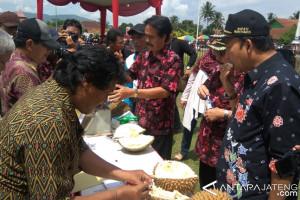 Bupati Banyumas Dorong Pengembangan Budi Daya Durian