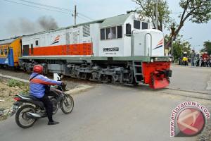 30 Perlintasan KA di Semarang Masih Harus Dijaga