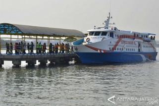 Daya tampung kapal penyeberangan ke Karimunjawa diperketat