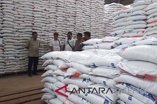 Bulog: stok beras di Banyumas mencukupi kebutuhan