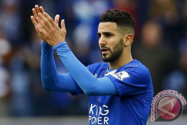 Manchester City  rekrut Riyad Mahrez dari Leicester