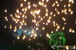 2.500 lampion terangi langit Borobudur