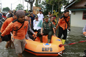 Banjir rendam seratusan rumah warga Pekalongan