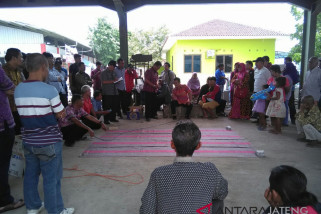 DPRD Kota Semarang meminta PKL bantaran sungai segera pindah
