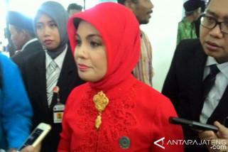 Siti Atikoh dilarang dampingi Ganjar kampanye