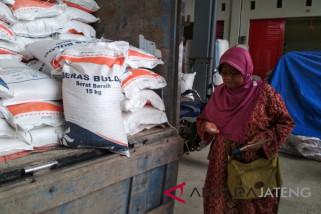 Bulog gelar OP beras di Pasar Baru Kudus (VIDEO)