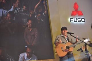 Iwan Fals nikmati perjalanan darat saat konser Sumatera
