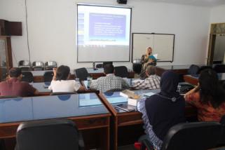 Universitas Muhammadiyah Magelang melatih akuntansi pada UKM