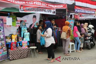 Ratusan PKL Barito Semarang awali boyongan