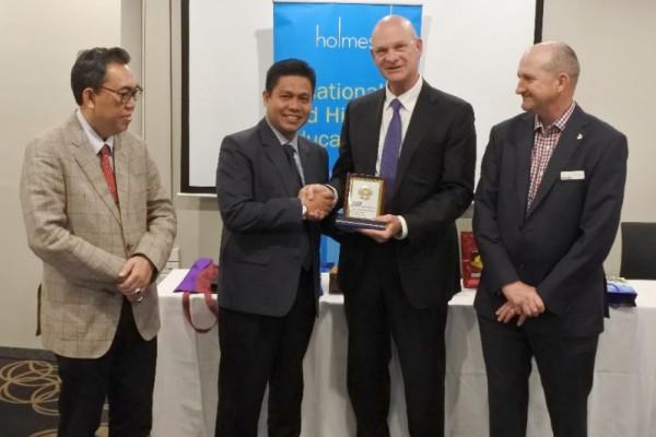 UMP kerja sama dengan sejumlah perguruan tinggi Australia