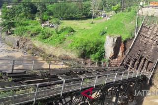 Pembangunan Jembatan Progo satu paket Jembatan Galeh