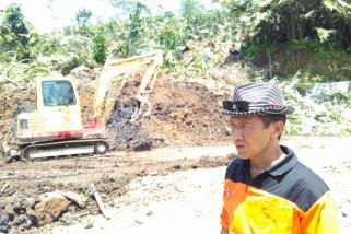 Jalan provinsi di Banjarnegara mulai dibersihkan pascalongsor