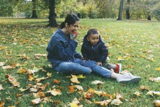 Laura Basuki bebaskan anak untuk bereksplorasi dan bermain