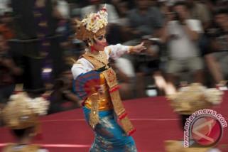 Tarian Indonesia pukau 6.000 penonton di di Ekuador