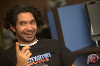 Reza Rahadian mengaku sulit temukan suara Benyamin