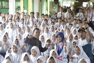 Bupati Batang siap ajarkan budi pekerti pada siswa