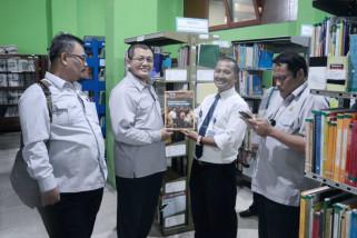 DPR pantau distribusi buletin dan majalah Parlementaria di UNS