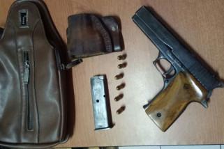 Polisi tangkap pria membawa senjata api ilegal