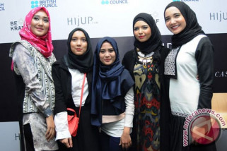 Perancang busana muslim bersaing dengan merek global