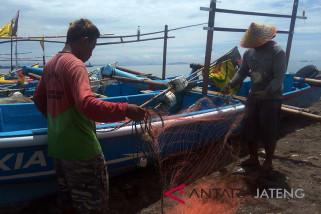 Tingkatkan kesejahteraan, nelayan Cilacap dapat pelatihan nautika