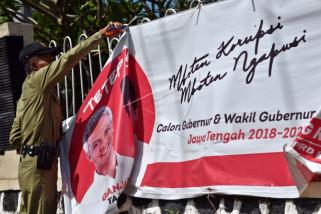 KPU Temanggung minta kandidat turunkan sendiri APK salahi aturan