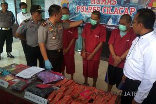 Tiga pengedar psikotropika di Cilacap dibekuk (VIDEO)