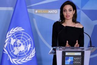 Angelina Jolie sarankan saat beranjak tua tidak perlu gusar