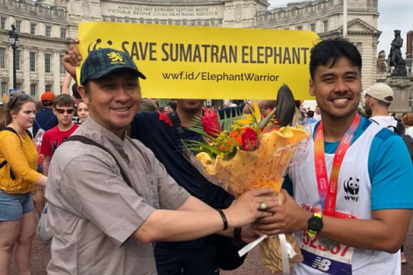 Chicco Jericho bersama 40.000  pelari ikut London Marathon