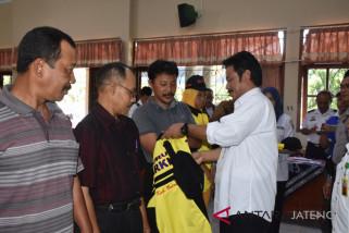 Tim Saber Pungli Batang bina juru parkir