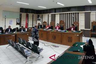 Mantan Kepala Perhutani Jateng diganjar 2,5 tahun penjara