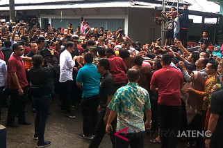 Meski hujan, korban gempa antusias sambut Presiden Jokowi