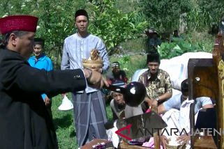 Petani Lereng Sumbing gelar ritual Srobong Gobang