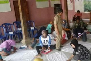 Kodim Pati latih ibu rumah tangga membatik