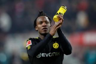 Cedera kaki, Pemain Dortmund Batshuayi absen hingga akhir musim