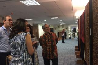 Masyarakat Inggris kegumi seni tekstil Indonesia