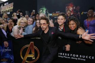 Robert Downey bikin orang tertawa saat menyambut Avengers: Infinity War