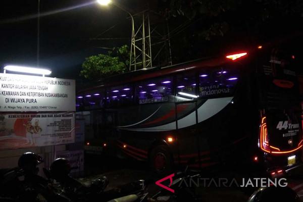 331 napi Lapas Pekalongan dipindah ke Nusakambangan (VIDEO)