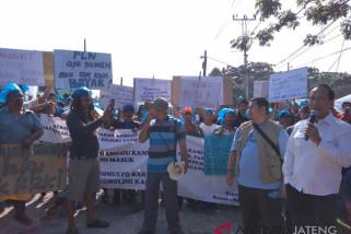 Pemutusan listrik Pasar Kobong Semarang kembali gagal