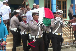 Kapolda Jateng pimpin pemakaman korban Mako Brimob