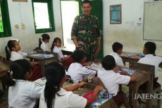 Pembangunan nonfisik, Satgas TMMD mengajar di SD